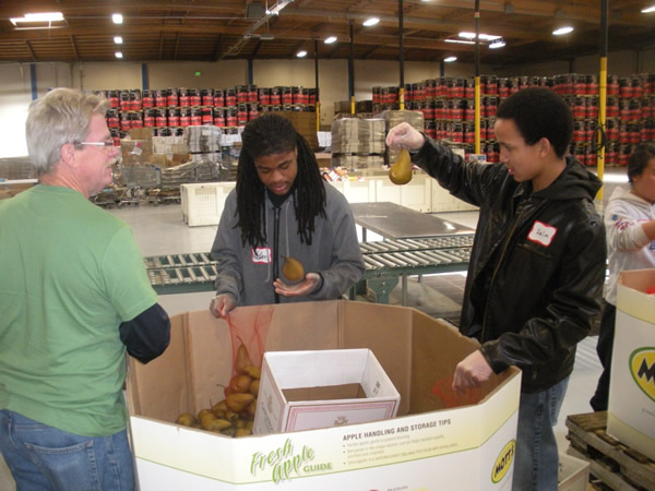 2011-Alameda_County_Community_Food_Bank-30
